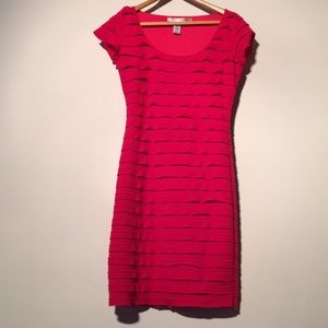 EUC max studio short sleeve red tiered ruffles